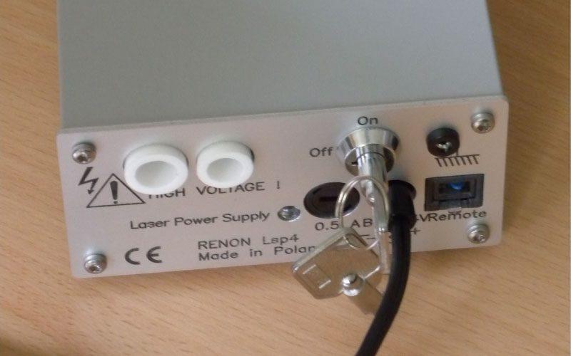 zasilacz wysokiego napiecia kalibratora laserowego dla fizyki jadrowej RENON scaled